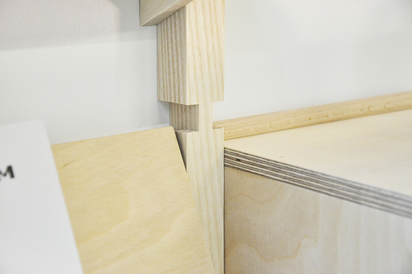 Design Amorce Studio Display Modular Shelf